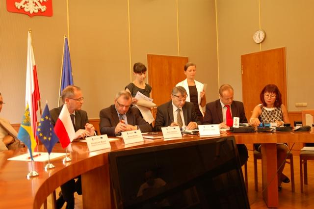 Podpisanie umowy na budowę mostu w Cisku-2.jpeg