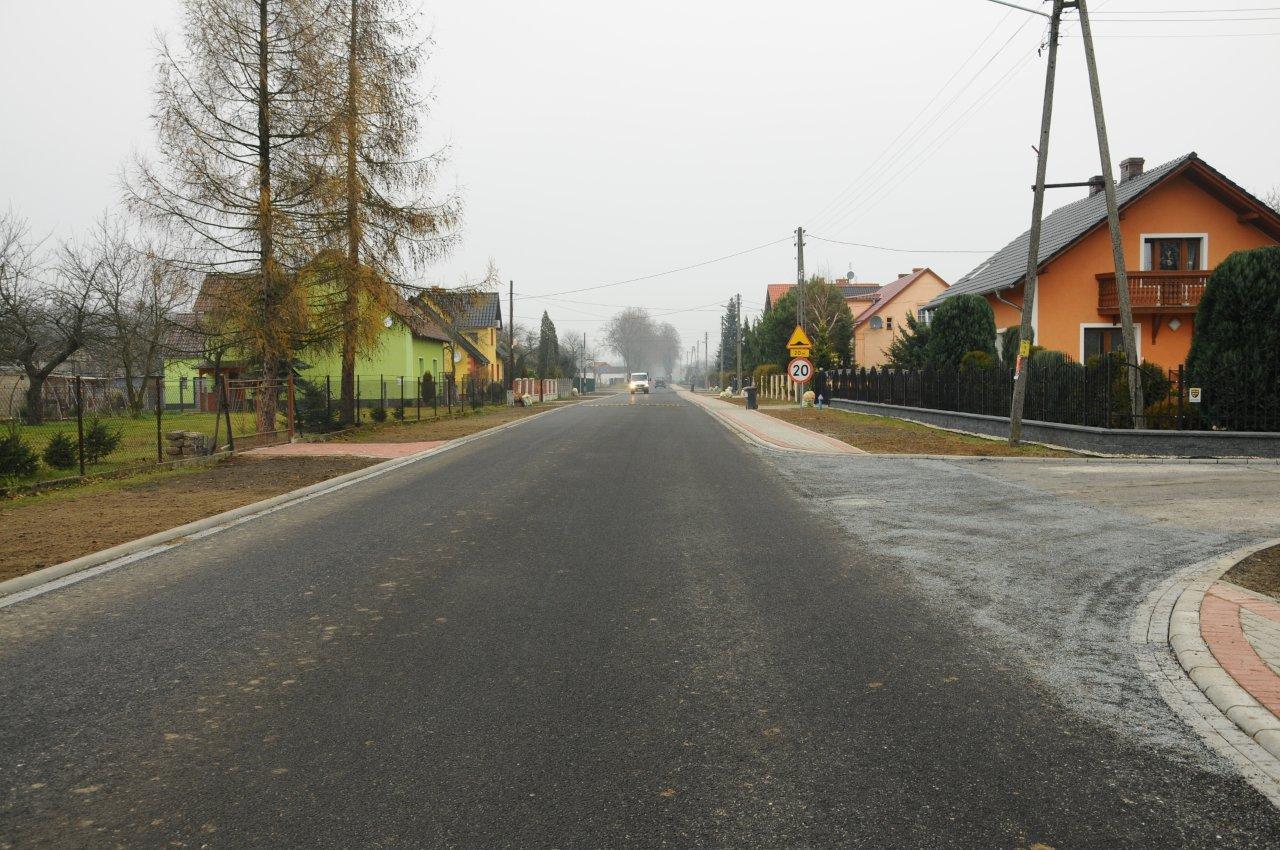 Kolejna droga powiatowa oddana do użytku po przebudowie.jpeg