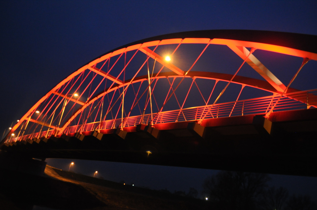 most czerwony.jpeg