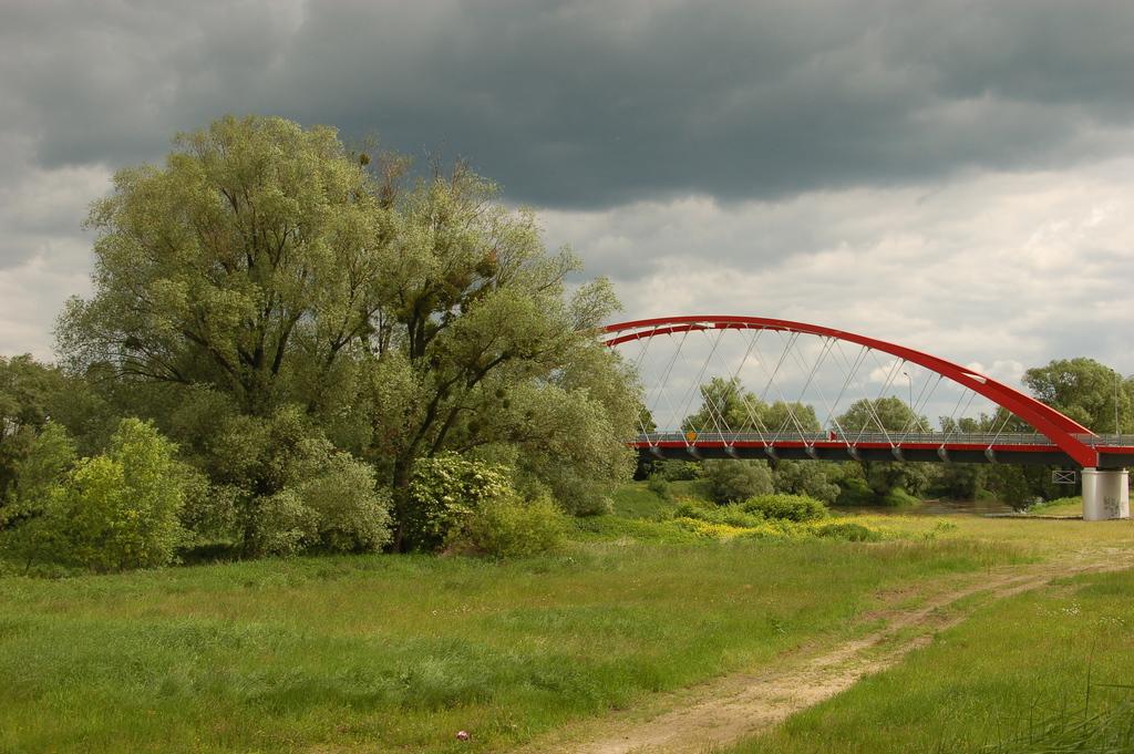 Most na rzece Odrze.jpeg