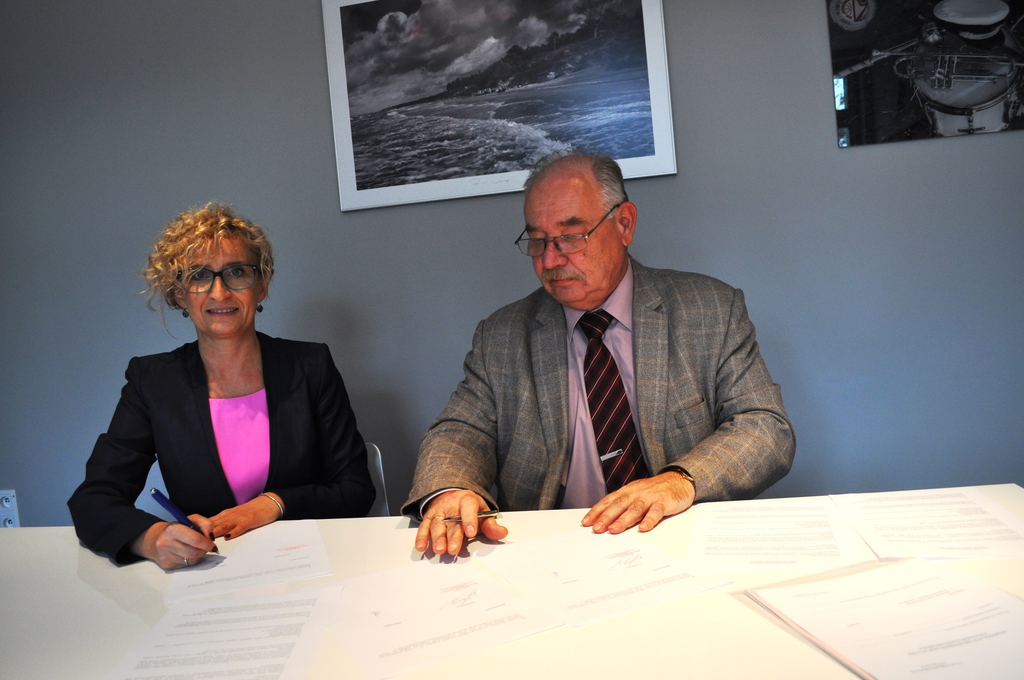 podpisanie umowy1.jpeg