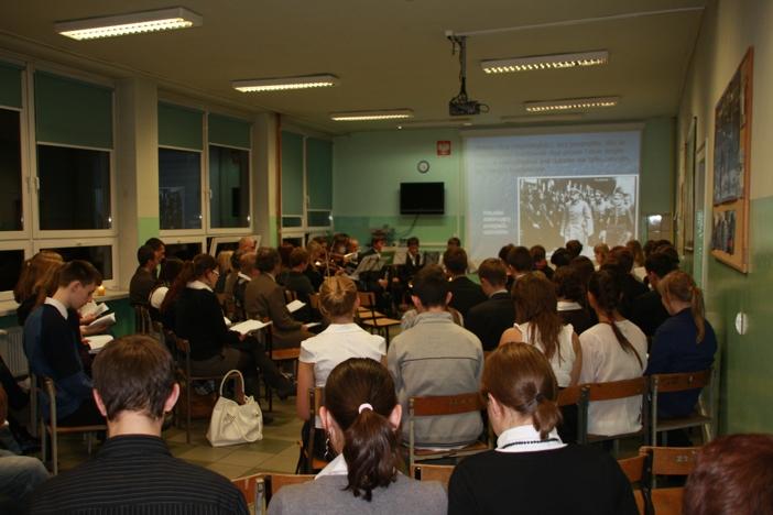 Uczniowie podczas uroczystości
