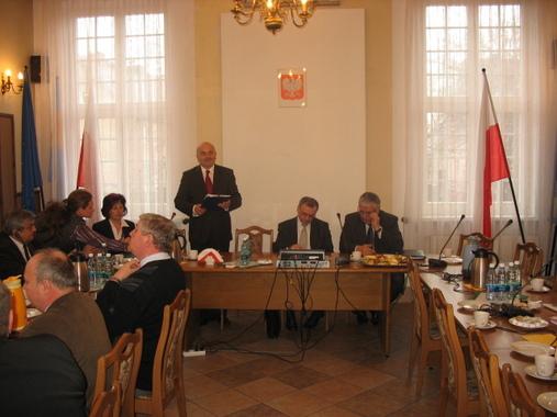 Otwarcie spotkania z samorządowcami przez Starostę Powiatu Józefa Gismana
