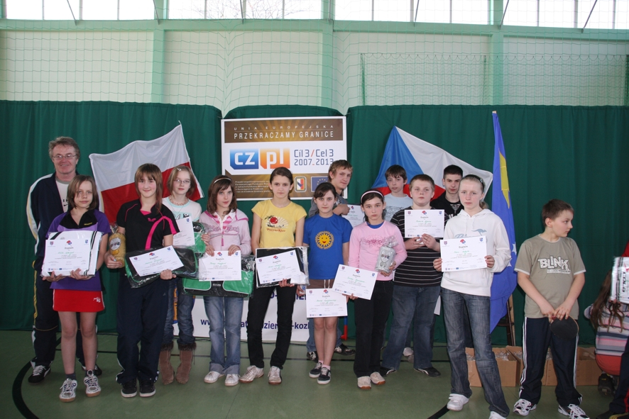 Laureaci rozgrywek z nagrodami i dyplomami