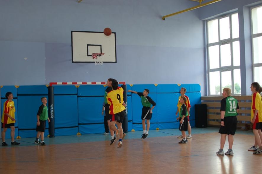 Mecz o trzecie miejsce pomiędzy zespołem ze Svetlej Hory a koszykarzami z Publicznej Szkoły Podstawowej nr 1 w Kędzierzynie