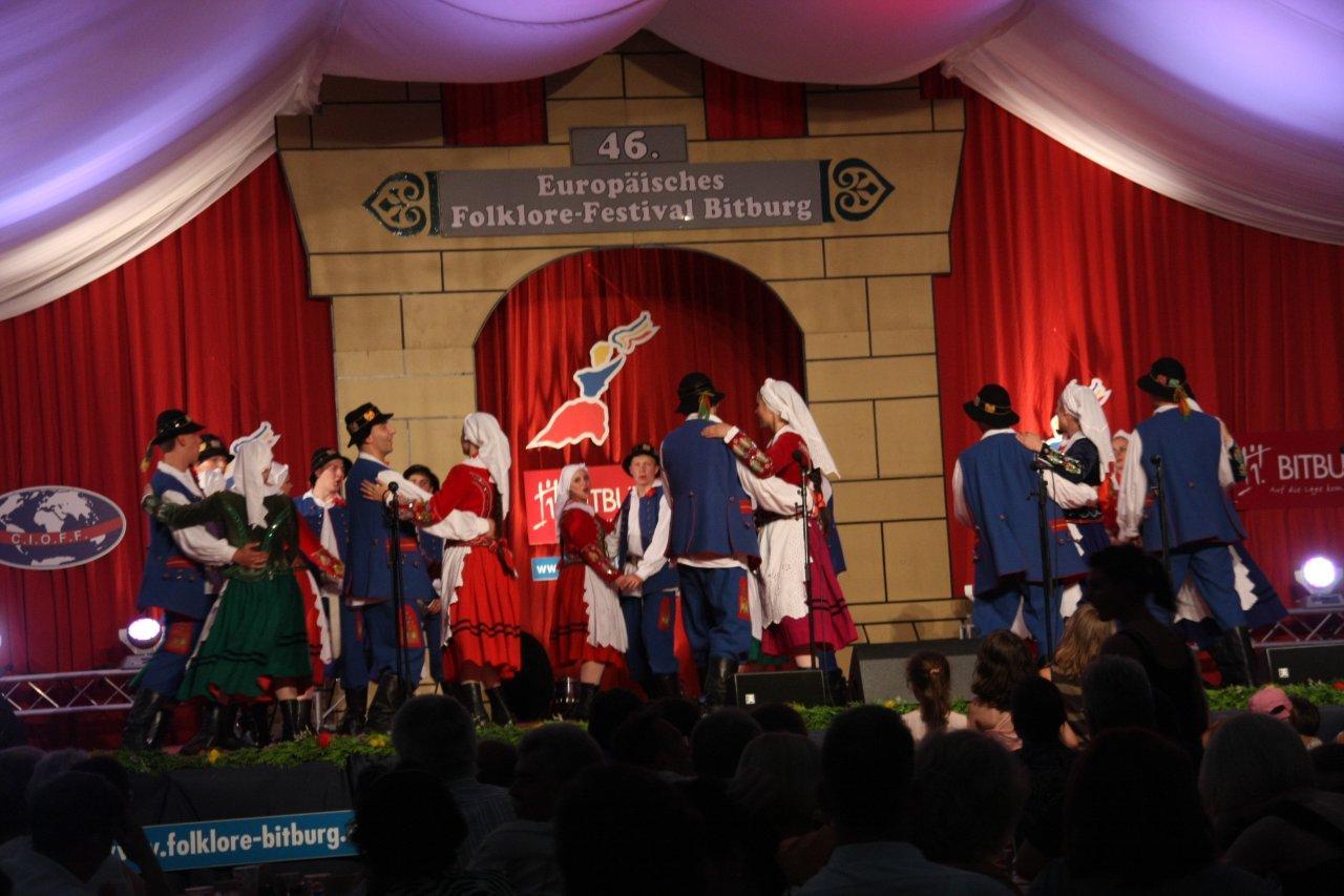 Występy podczas Festiwalu Folkloru.jpeg