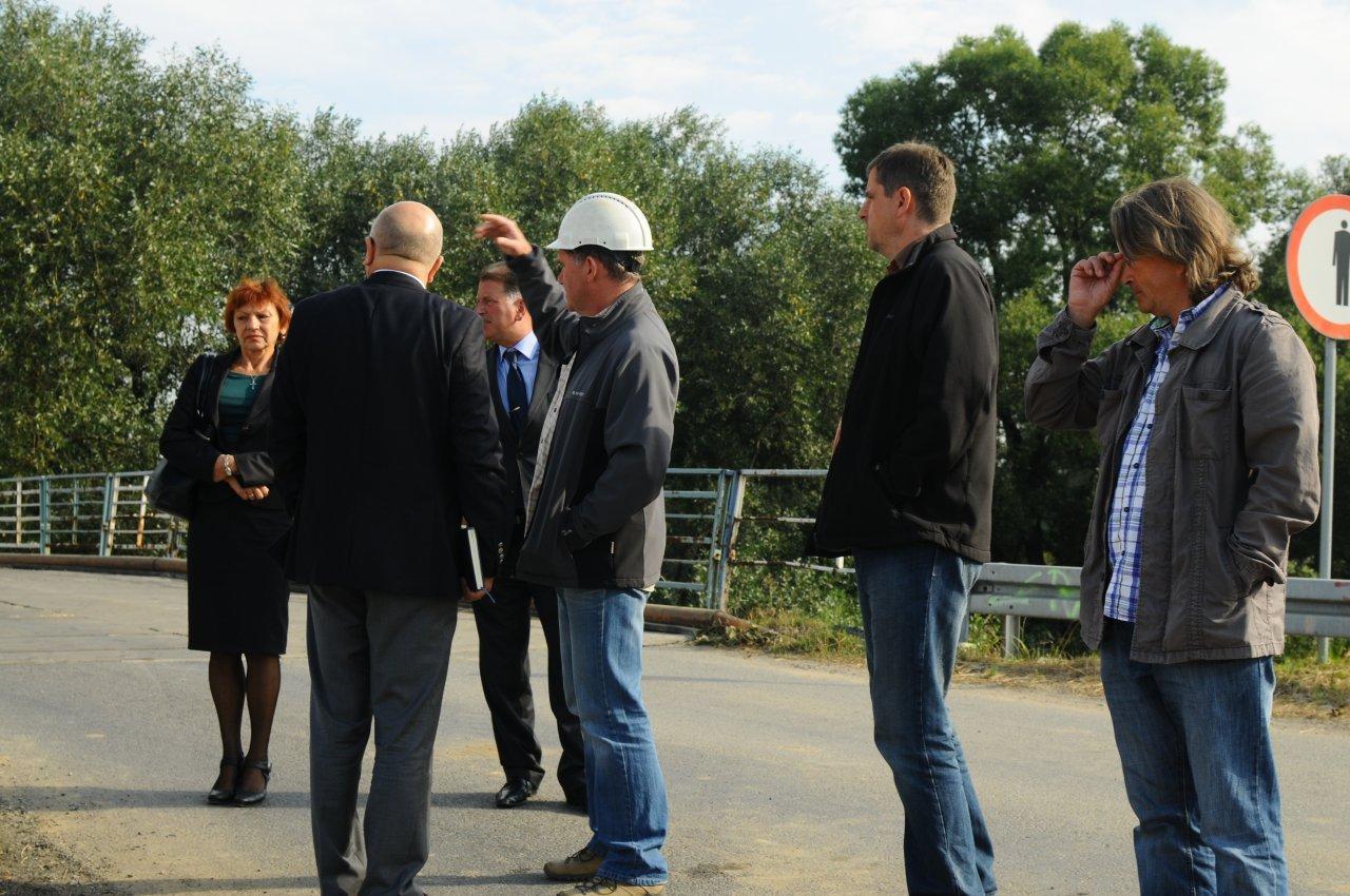 Wizytacja w terenie budowy