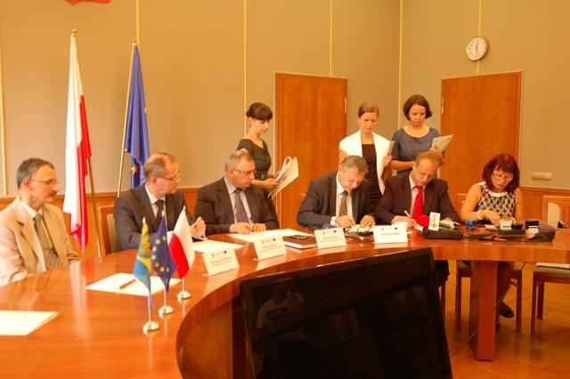 Podpisanie umowy na budowę mostu w Cisku-6.jpeg