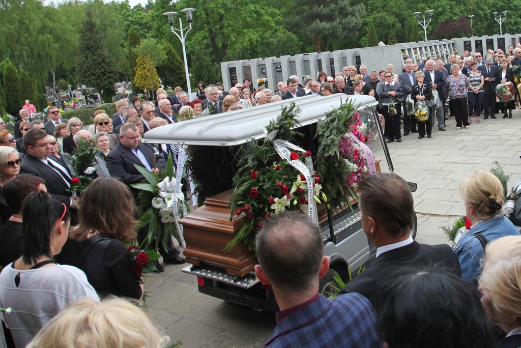 pogrzeb1.jpeg