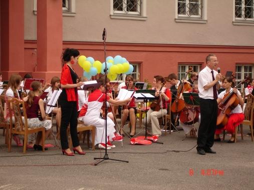 Koncert przed Starostwem