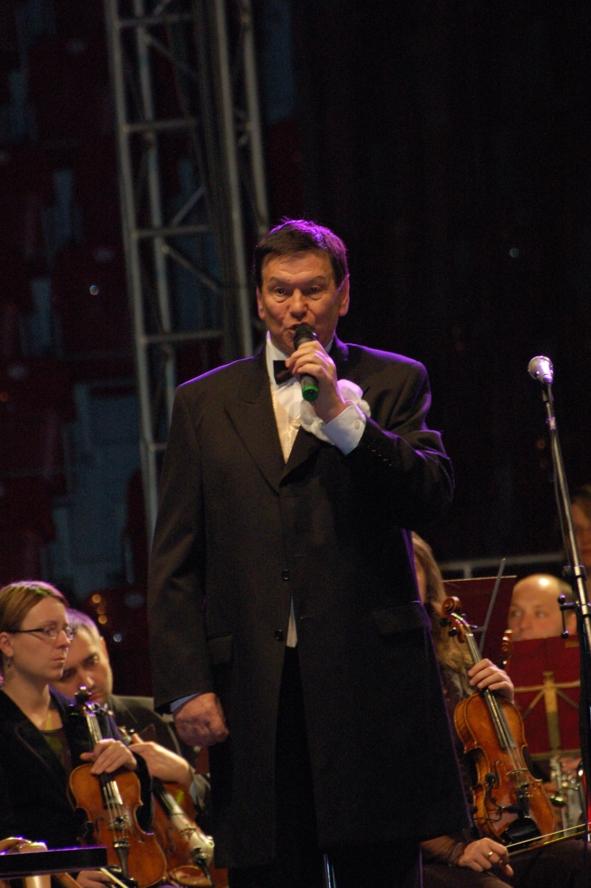Bogusław Kaczyński bardzo interesująco i z dawką humoru opowiadał o muzyce