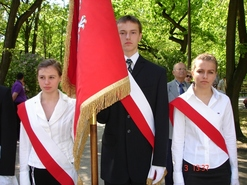 Delegacja i sztandar I Liceum Ogólnokształcącego w Koźlu