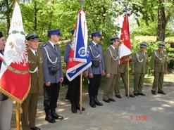 Przedstawiciele związków kombatanckich podczas uroczystości 3 Maja